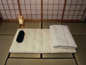 футон для сна на полу